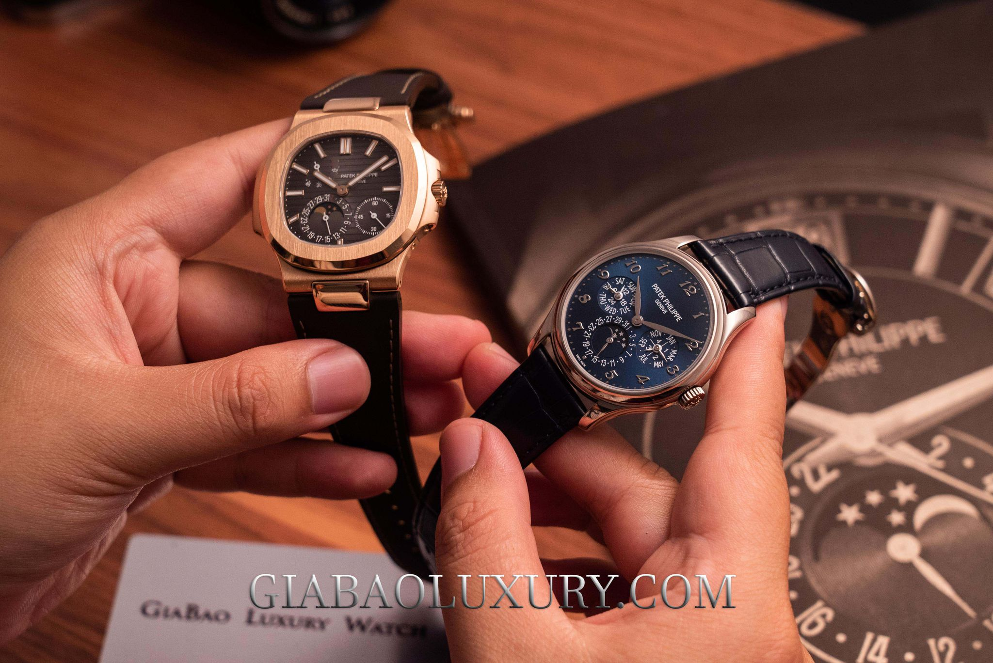 so sanh 2 mẫu đồng hồ Patek Philippe Nautilus 5712R và đồng hồ Patek Philippe Grand Complications 5327G