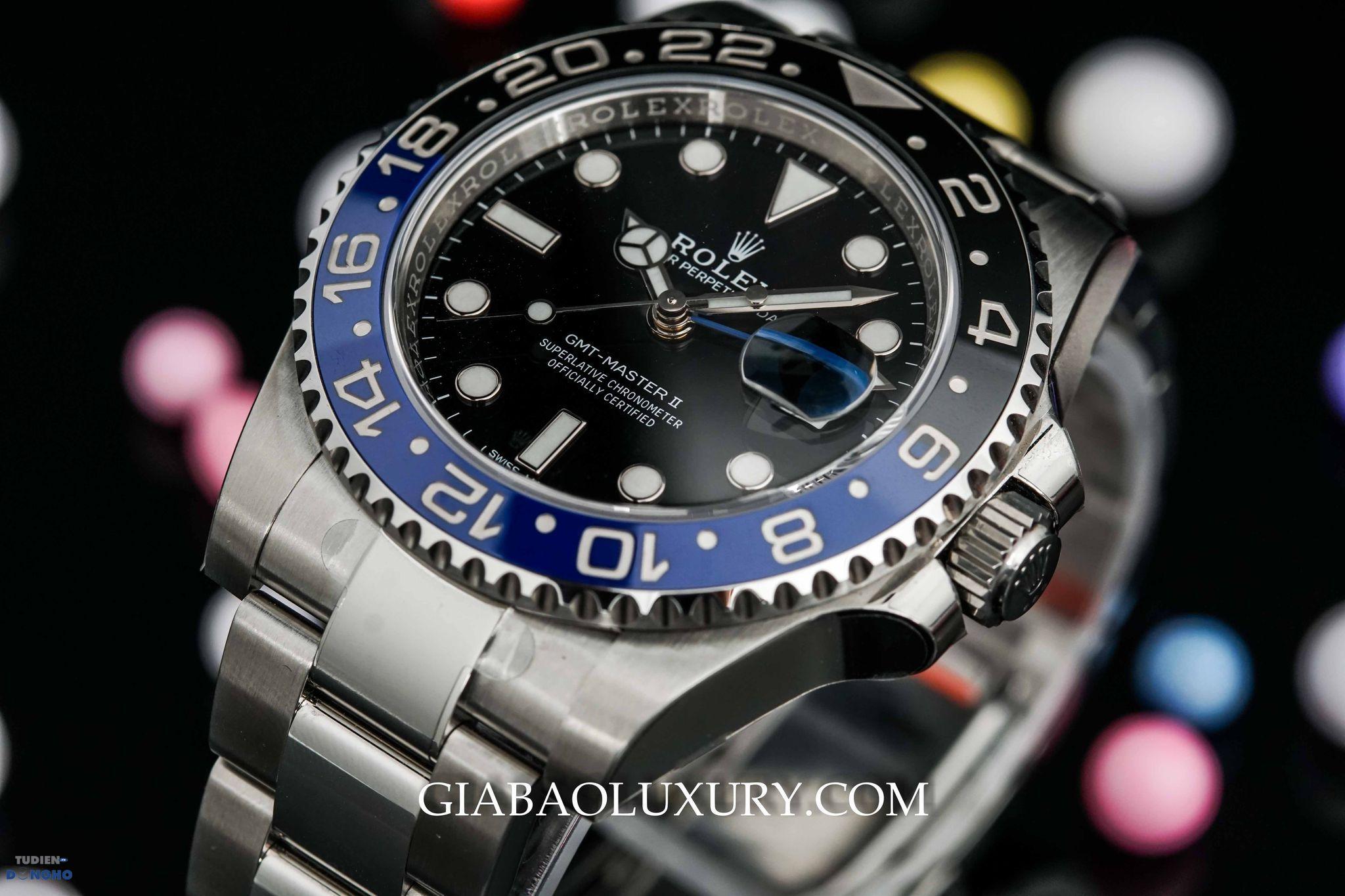 BLNR trong mẫu đồng hồ Rolex Batman GMT Master II 116710BLNR cho biết vành Bezel gồm 2 màu xanh và đen.